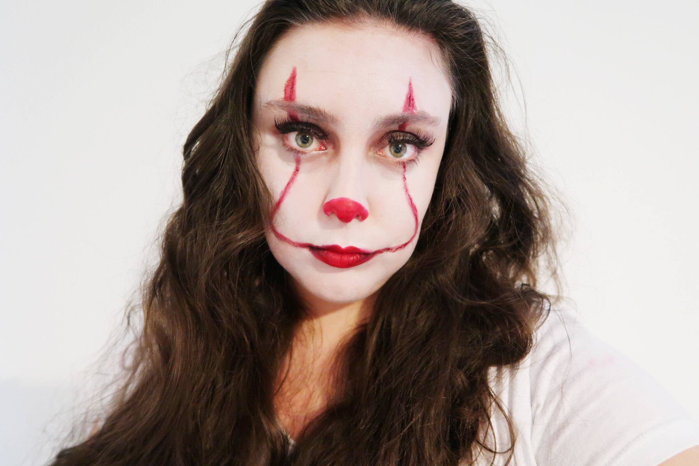 easy pennywise halloween makeup it 2017 earth to emma. Black Bedroom Furniture Sets. Home Design Ideas
