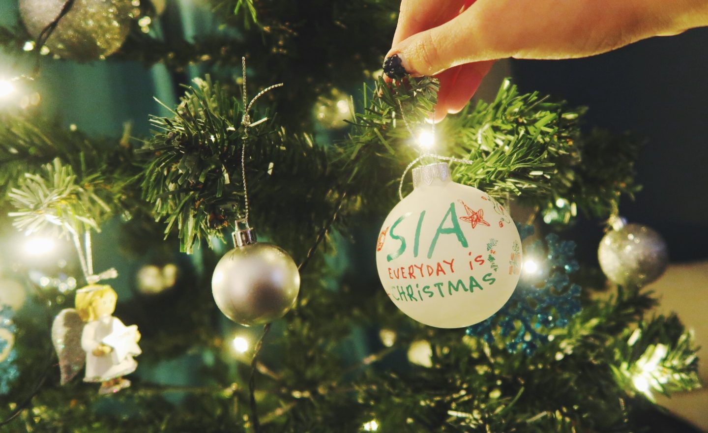 Everyday Is Christmas With Sia - Earth To Emma